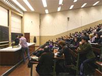 Un nouvel acteur dans le débat sur l'Université: le corps des enseignants & chercheurs.