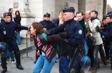 Arrestations et violences policières: Strasbourg, Paris, Lille