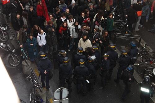 Occupation de la Sorbonne. Communiqués, vidéos & revue de presse 26/03/09.