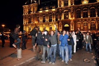 Occupation de l'hôtel de ville (Paris - 01 mai 2009 - convergence des luttes)