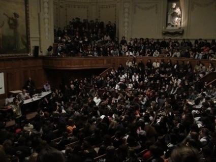 Etudiants et personnels de la Sorbonne revotent la grève (4-5-7-12-15 mai) + plusieurs UFR de Paris 1 votent la non-tenue des examens