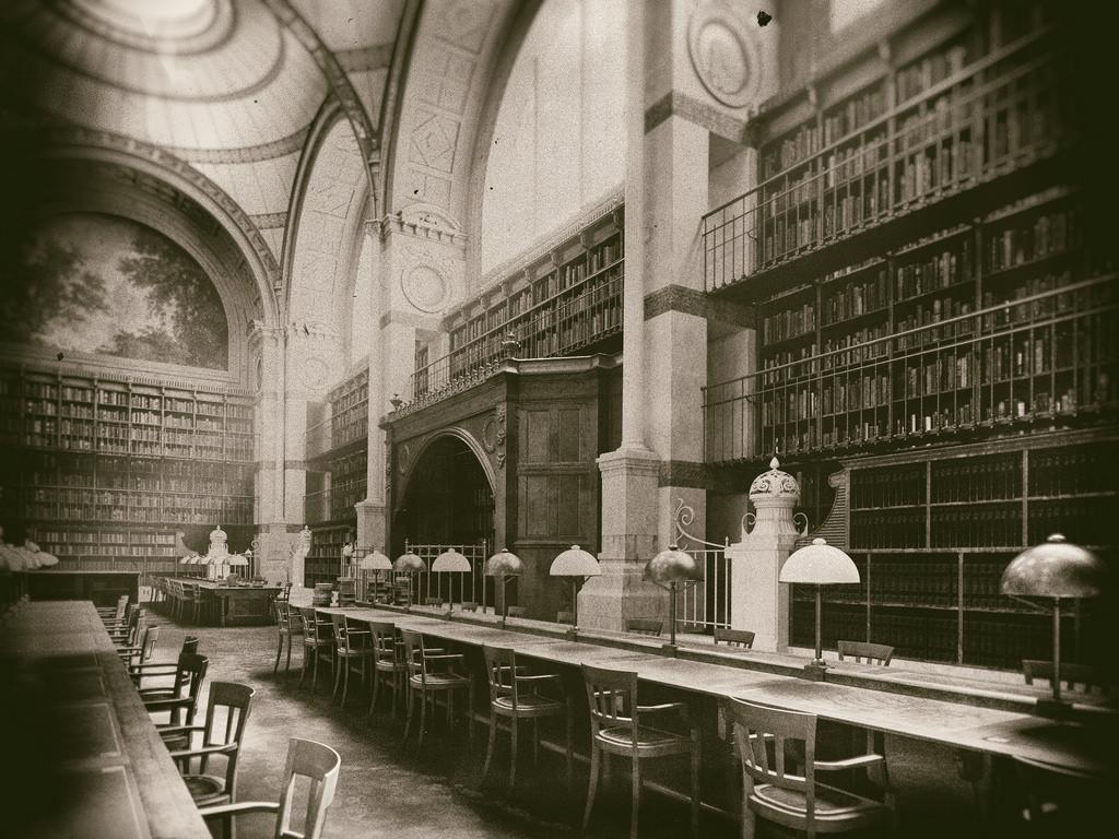Une bibliothèque de textes fantômes