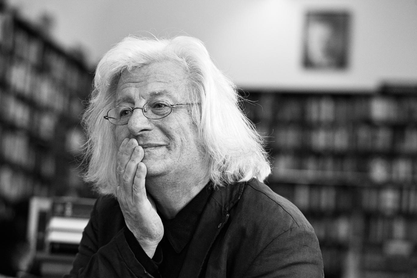 Péter Esterházy, un con(m)te hongrois postmoderne (Paris)