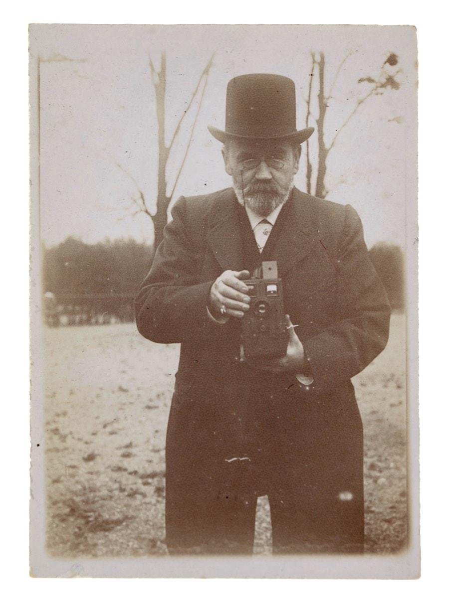 Restauration des plaques de verre photographiques d'Émile Zola (appel à mécénat individuel)