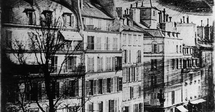 1839, Paris ou Londres ?